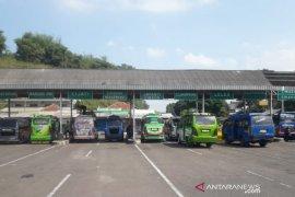 Penumpang di Terminal Bus Pasirhayam Cianjur  menurun tajam