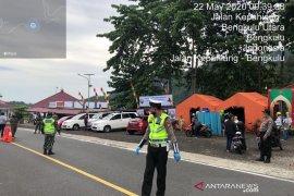 Puluhan kendaraan pemudik di Taba Penanjung Bengkulu terpaksa putar balik
