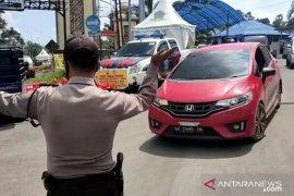 Polisi di Rejang Lebong putar balik ratusan kendaraan pemudik
