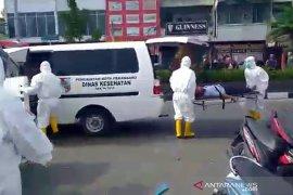 Sempat pingsan di Pasar Cik Puan, warga Pekanbaru terduga COVID-19 meninggal