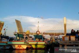 Babel perketat lalu lintas orang di pelabuhan kapal nelayan