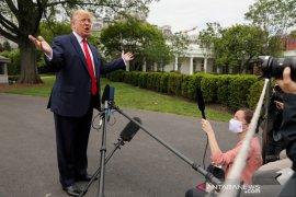 "Tak pakai masker, Trump disebut ""orang yang sangat bodoh"""