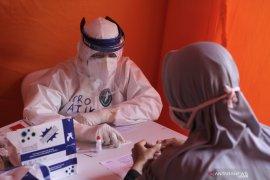 25 orang diperiksa terkait penularan COVID-19 di warung soto