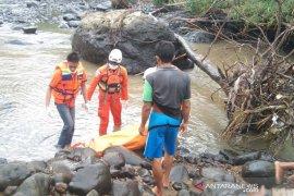 Jenazah korban pembunuhan di aliran Sungai Musi ditemukan