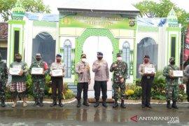 TNI-Polri di Buleleng kompak bantu anak-anak panti asuhan