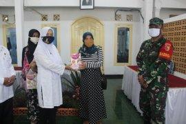 Banyuwangi mulai salurkan bantuan paket nutrisi bagi ibu hamil dan menyusui