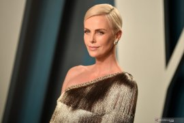 "Syuting film ""The Old Guard"", Charlize Theron alami cidera"