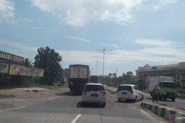 Kondisi Jalan Lintas Sumatera H-1 jelang Idul Fitri 1441 Hijriah Page 1 Small