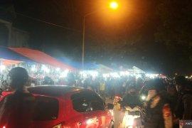 Aparat gabungan tiba, pembeli kocar kacir di depan SDN 03 Alai Padang (Video)