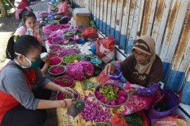 Penjual Bunga Tabur Musiman