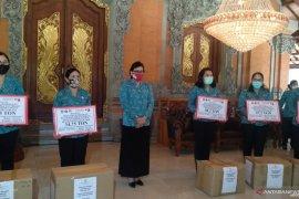 Tim PKK-Dekranasda Bali bantu 410,9 ton beras untuk masyarakat dan perajin