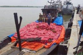 TNI AL gagalkan penyelundupan 25 ton bawang merah ilegal