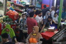 Keramaian pasar Malang saat PSBB