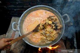 Makanan Lebaran bersantan yang sering dipanaskan bisa picu penyakit