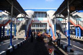 Perawatan fasilitas di Terminal Bungurasih