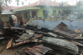 Dua ruko terbakar di Aceh Timur