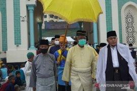 Idul Fitri saat pandemi, Sultan Deli shalat Ied bersama ribuan Muslim di Masjid Raya Al Mashun Medan
