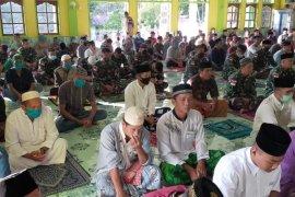 Umat Muslim di perbatasan tetap laksanakan Shalat Id di masjid