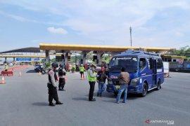 Polisi putarbalikkan 72.000 lebih kendaraan pemudik di perbatasan Jabar