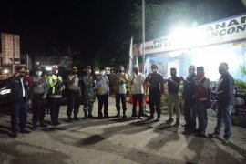 Forkopimda Aceh Besar tinjau Pos Pelayanan Operasi Ketupat Rencong 2020