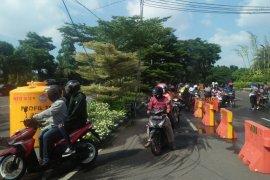 """Hari pertama Lebaran, Penjagaan di sejumlah """"check point"""" Surabaya-Sidoarjo longgar"""