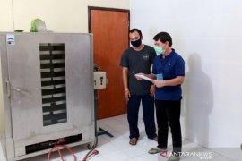 Pemkab Klungkung siap luncurkan garam beryodium Kusamba ditengah pandemi COVID-19