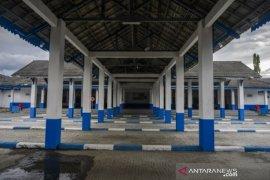 Terminal angkutan darat Mamboro lengang Page 1 Small