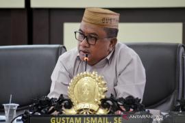 DPRD Gorut imbau pembatasan pergerakan orang berlaku bagi pejabat