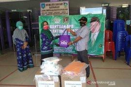 Anggota DPR RI PPP Syaifullah Tamliha bantu APD untuk RSUD Kandangan