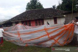 Warga selatan Cianjur temukan balon udara berisi petasan