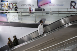 Jokowi tinjau penerapan standar normal baru di Mall Summarecon Bekasi