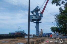 Kesyahbandaran Pangkalbalam alihkan kapal penumpang untuk logistik