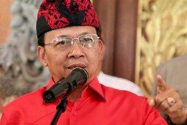 Gubernur Bali: Jangan pojokkan aparat terkait kerumunan di Kampung Jawa