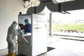 UI ciptakan bilik swab test COVID-19 yang aman bagi tenaga medis