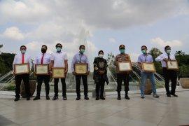 Ungkap kasus besar narkoba, Risma beri penghargaan kepada jajaran Polrestabes Surabaya