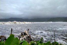 Banjir rob terjang lima kawasan pesisir di Tulungagung
