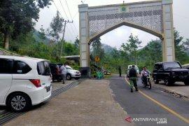 Volume kendaraan wisatawan masih tinggi melintas kawasan Cianjur