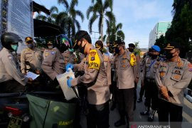 South Kalimantan Police distributes 70 tons of rice from National Police Chief