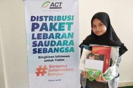 Bingkisan istimewa untuk anak yatim di Pekanbaru