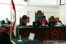 Hakim vonis seumur hidup dua terdakwa pembunuhan sadis