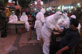 347 warga Surabaya dinyatakan positif corona setelah jalani swab