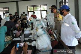 Pelindo III  tes cepat penumpang kapal di pelabuhan penyeberangan Situbondo-Madura