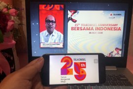 25 Tahun Telkomsel : memaknai konsistensi melayani negeri bergerak maju Indonesia