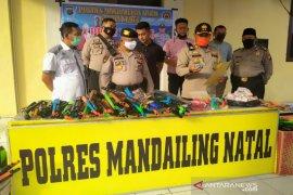 Polres Madina razia senjata mainan