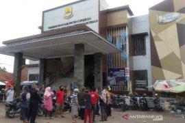 Pemkab Cirebon tutup Pasar Sumber selama 14 hari