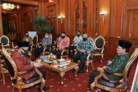 Gubernur manfaatkan momen idul fitri perkuat sinergitas pembangunan
