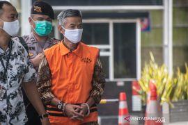 Mantan anggota KPU Wahyu Setiawan dituntut delapan tahun penjara