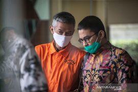 Mantan anggota KPU Wahyu Setiawan  didakwa terima suap Rp600 juta