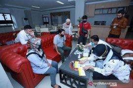 Wartawan DPRD Kalsel menjalani rapid test