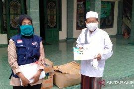 """Jelang """"new normal"""", PMI Tangerang distribusikan disinfektan ke rumah ibadah"""